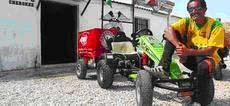 José Castro, fotografiado con su carrito en el Moto Club Cherokee