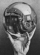 reflejo de una imagen en una bola de cristal