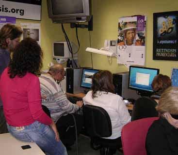Curso de informática en la asociación asturiana de retinosis