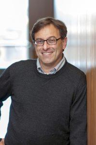 Foto de primer plano Doctor Ehud Isacoff Universidad de Berkeley