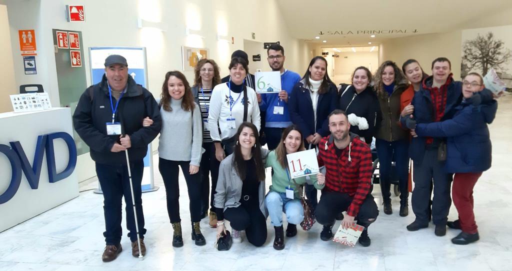 Asociaciones EDES, DOWM, Fundación Aindace y ES Retina junto con sus voluntarios.